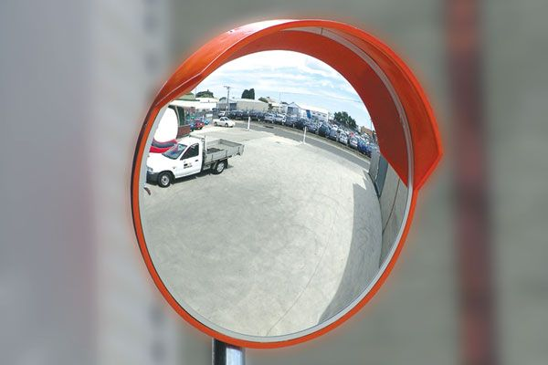 outdoor-safety-mirrors